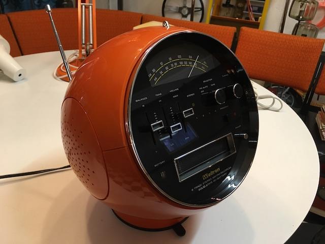 Weltron 2001 Orange